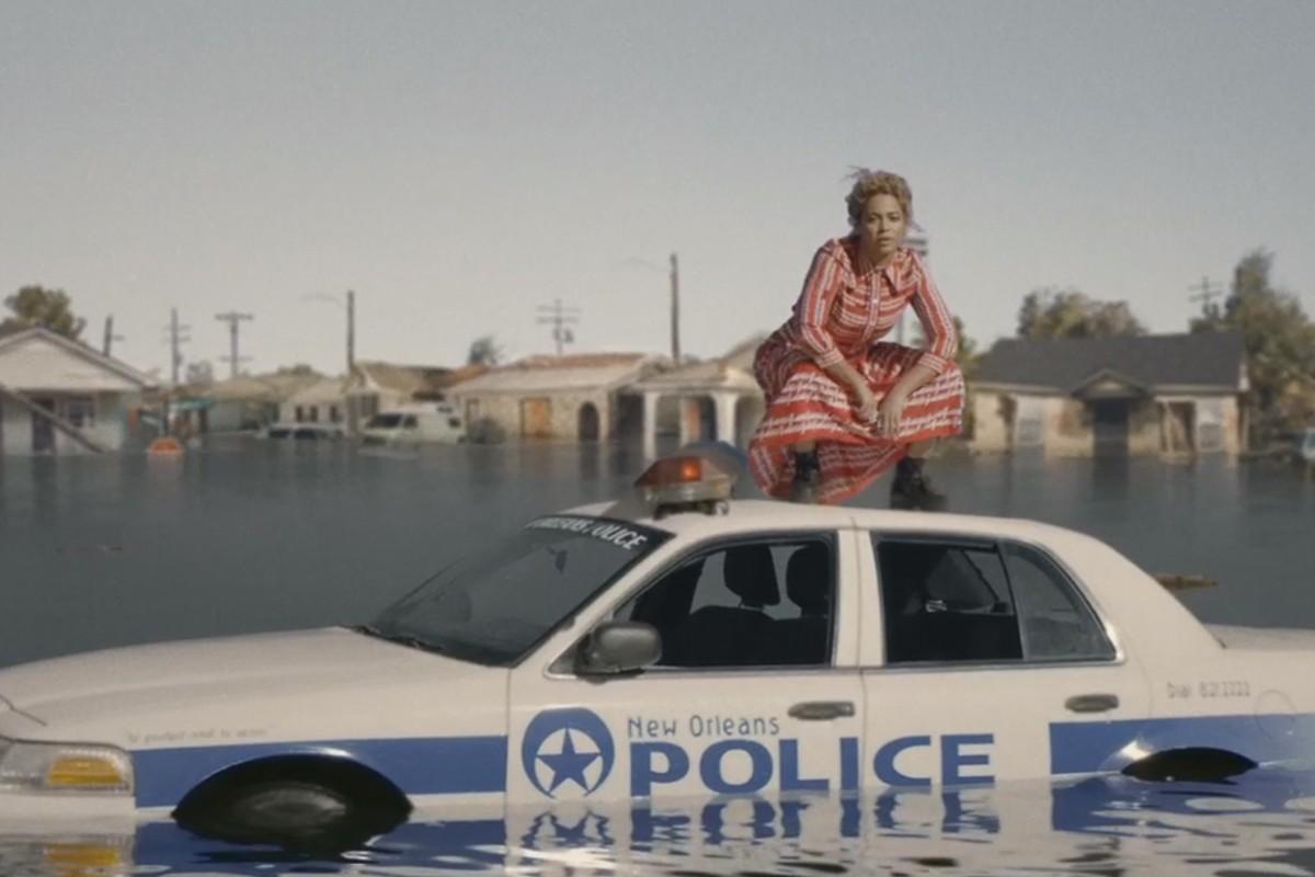 Beyoncé no clipe de 'Formation' (Foto: Reprodução/Youtube)