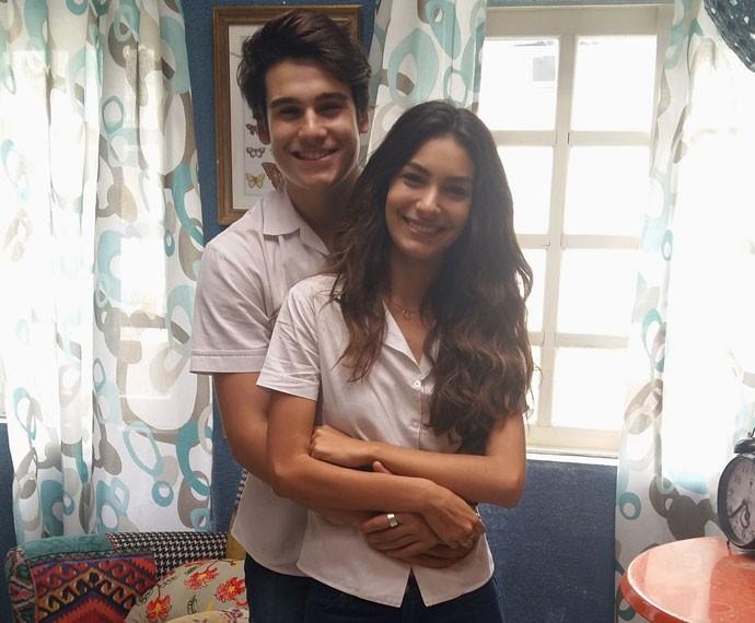 Marina e Nicolas estão superfelizes com repercussão do casal Ludrigo (Foto: Bel Bonotto/Gshow)
