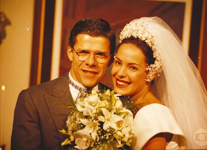 José Mayer vivia Dr. Moretti em 'História de Amor' (Foto: CEDOC/TV Globo)