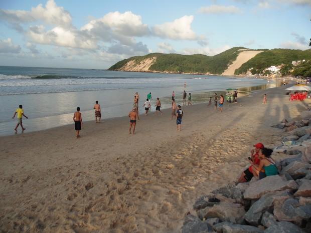 Pelada entre mexicanos e americanos em Natal (Foto: Ferreira Neto/G1)