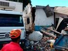 Caminhão desgovernado atinge imóvel na Av. San Martin, diz polícia