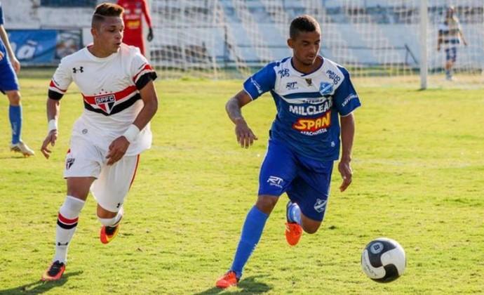 Taubaté sub-17 x São Paulo (Foto: Eder Borges/TS Foto Esporte)