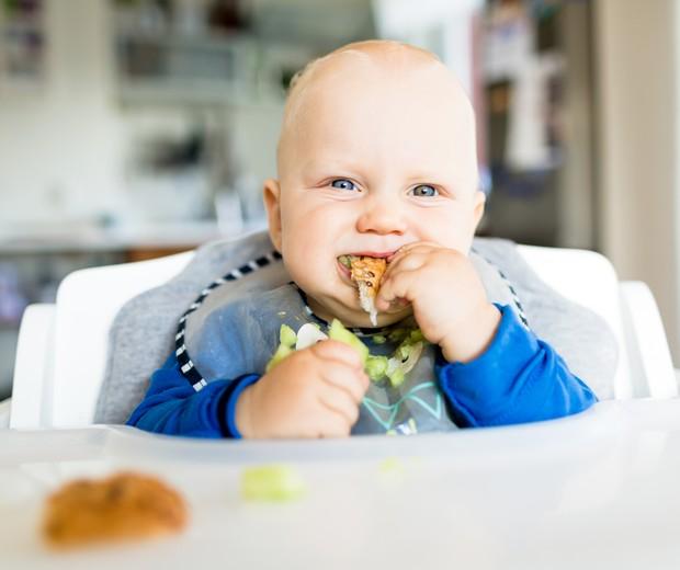 BLW - baby led weaning (Foto: Thinkstock)