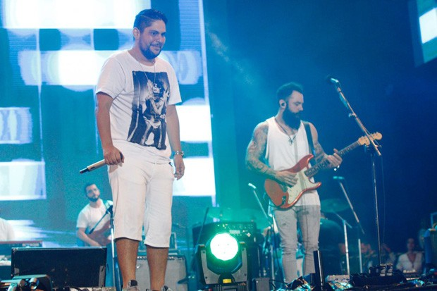 Jorge e Mateus no Festival Virada Salvador 2018 (Foto: Ricardo Cardoso e Ícaro Cerqueira/Ed. Globo)