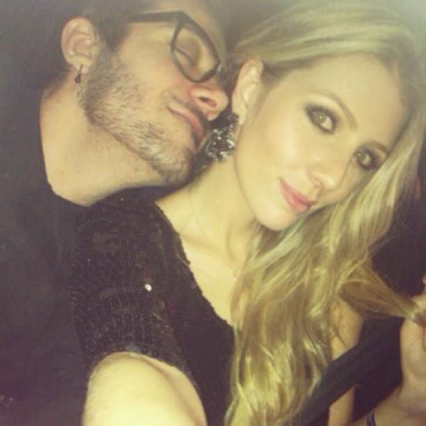 Ex-BBB Max Porto com a namorada, Ariane Cerqueira (Foto: Instagram/ Reprodução)