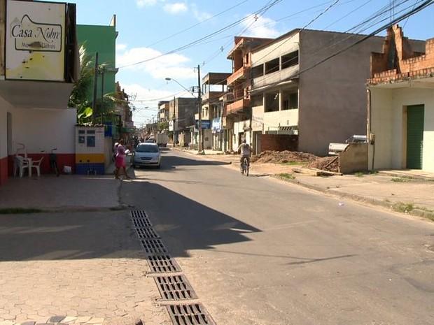 Crime aconteceu em uma das principais avenidas de Jardim Carapina, na Serra.  (Foto: Reprodução/ TV Gazeta)