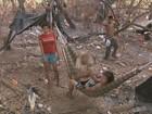 Índios acampam às margens de rodovia em RR e atrapalham trânsito