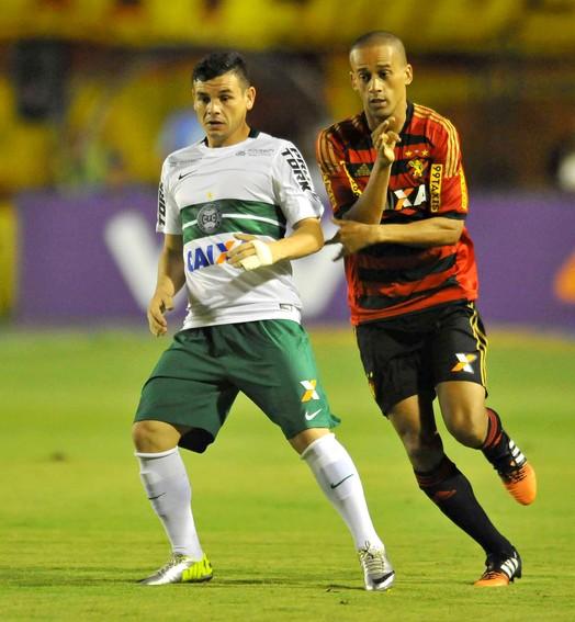 tropeço (Antônio Carneiro/Pernambuco Press)