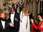 Beyoncé aparece grávida dançando com o marido Jay-Z em festa