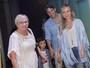 Eliana leva o filho, Arthur, para curtir show infantil em São Paulo