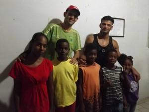 Família Angatuba (Foto: Caio Silveira / G1)