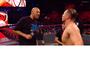 Ao lado do filho Lonzo, LaVar Ball rouba a cena em noite de WWE
