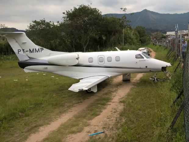 Avião saiu da pista na hora do pouso (Foto: Alan Freitas/Arquivo Pessoal)