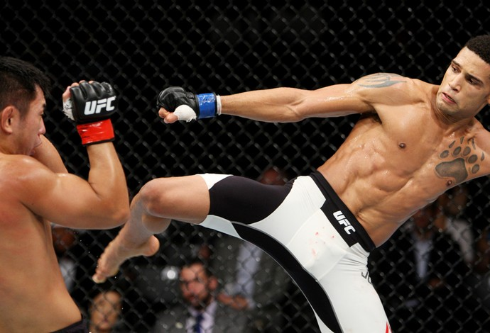 Naoyuki Kotani  Kajan Johnson UFC (Foto: Getty Images)