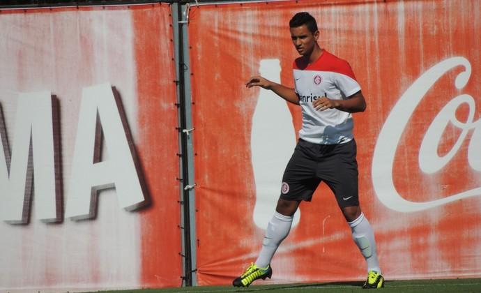 Bruno Gomes centroavante Inter (Foto: Tomás Hammes / GLOBOESPORTE.COM)