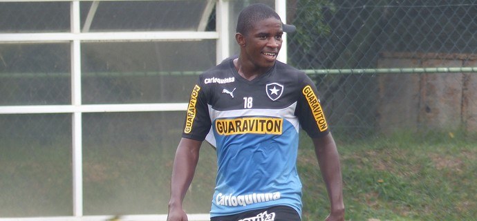 Yuri Mamute Botafogo (Foto: Raphael Bózeo)