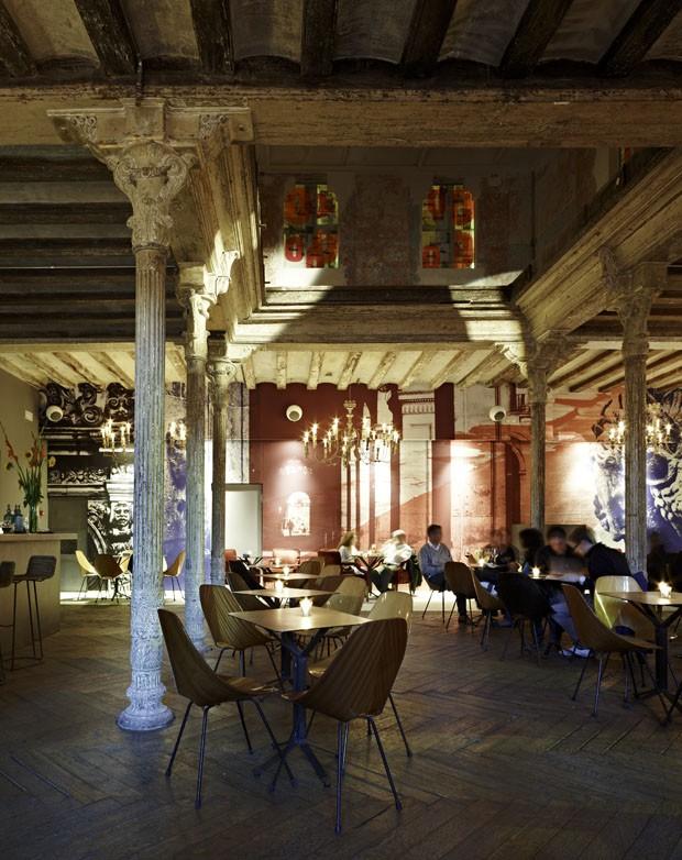 Reduto descolado em barcelona casa vogue restaurantes - Restaurante umo barcelona ...