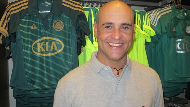 Marcos loja Palmeiras (Foto: Gustavo Serbonchini)