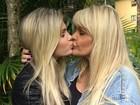 Bárbara Evans posa com a mãe e a elogia: 'Como é  bom ver você feliz'