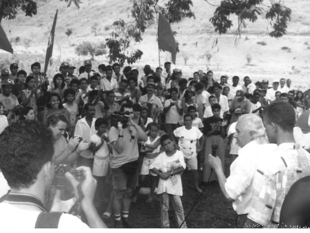 Chicão em 1995, durante encontro no Assentamento Sem Terra de Valadares. (Foto: Arquivo Pessoal/Tim Filho)