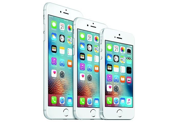 iPhone está disponível em cinco variantes com tamanhos de telas diferentes (Foto: Divulgação/Apple)