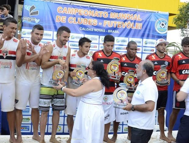 São Paulo campeão mundial futevôlei 3 x 3 masculino (Foto: Reprodução Facebook)