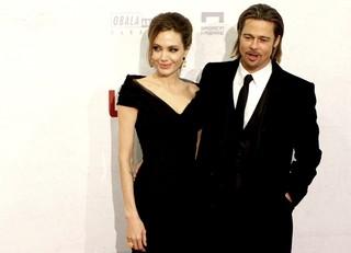Angelina Jolie e Brad Pitt chegam para a pré-estreia de seu novo filme (Foto: Agência/Reuters)
