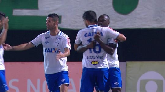 Thiago Neves participa de mais da metade dos gols e se firma como referência
