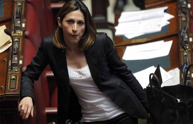A deputada italiana Elvira Savino, do partido do ex-primeiro ministro Silvio Berlusconi, Forza Italia (FI) (Foto: Reprodução/Facebook)