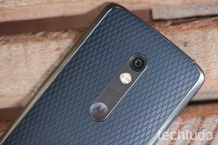Moto X Play abre câmera com giro de pulso (Foto: Lucas Mendes/TechTudo)