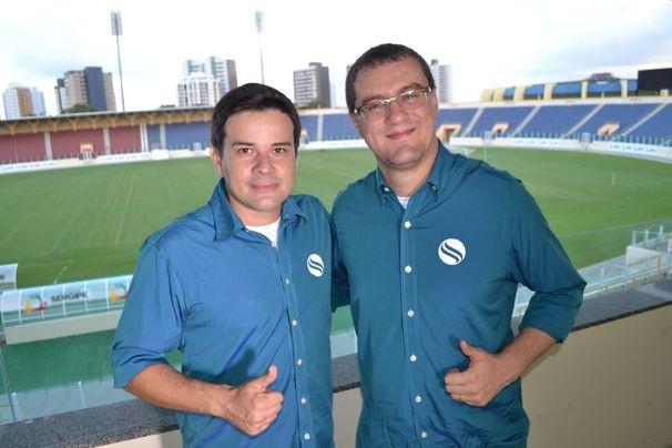 Guilherme Fraga e Thiago Barbosa comandam a transmissão (Foto: Divulgação / TV Sergipe)