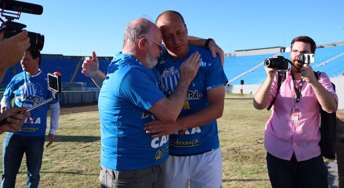 Marquinhos e Battistotti (Foto: Jamira Furlani/Avaí FC)
