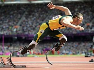 Em foto de Agosto de 2012, Pistorius participa das Paralimpíadas de Londres (Foto: Dylan Martinez/Arquivo/Reuters)