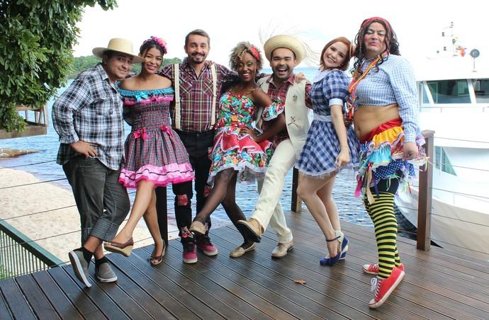 Apresentadores da Rede Amazônica participam do Arraial do 'Paneiro' (Foto: Katiúscia Monteiro/ Rede Amazônica)