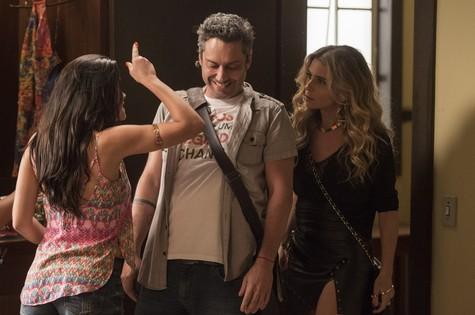 Alexandre Nero com Vanessa Giácomo e Giovanna Antonelli (Foto:  João Cotta/TV Globo)