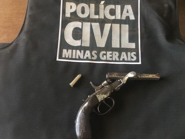 Armas apreendida pela Polícia Civil  (Foto: Polícia Civil/Divulgação)