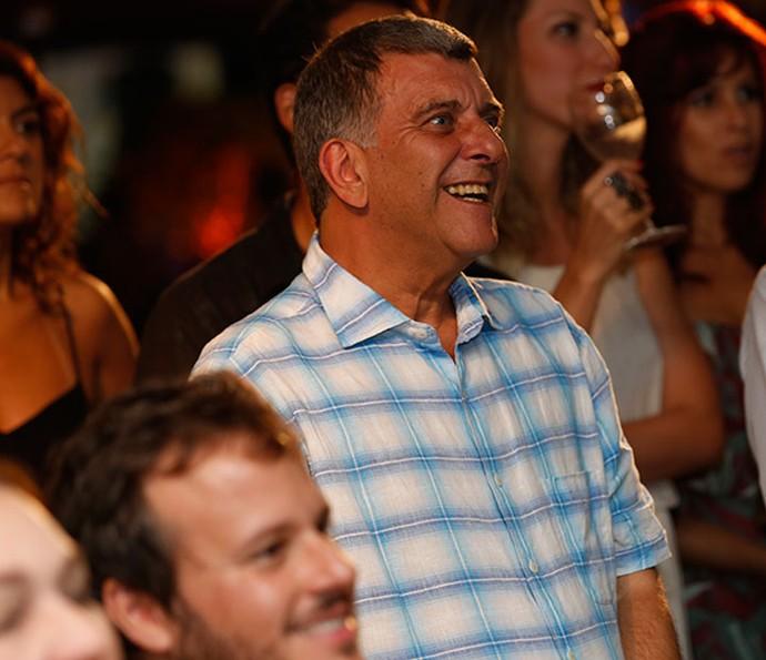 Jorge Fernando viu o clipe da novela com a equipe (Foto: Ellen Soares / Gshow)