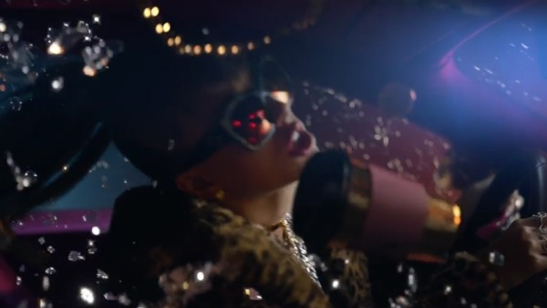 Taylor Swift como sósia de Katy Perry em seu clipe (Foto: Reprodução)