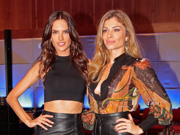 Grazi e Alessandra esbanjam beleza e simpativa em coletiva (Foto: Felipe Monteiro/Gshow)