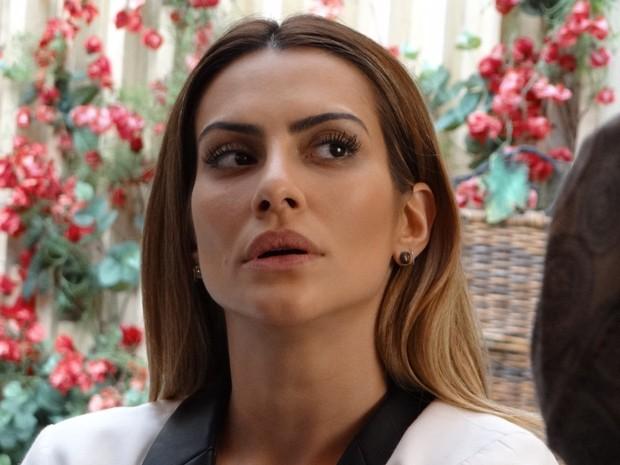 Bianca fiz sem graça com atitude do guia (Foto: Salve Jorge / TV Globo)