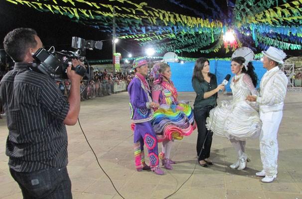 No recesso de Globo Esporte Piauí, Carla Dantas realiza coberturas jornalísticas e acompanha, pela primeira vez, o Festival Clube de Quadrilhas  (Foto: Katylenin França/TV Clube)