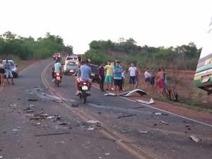 Acidente aconteceu na PI-375 (Foto: Divulgação/Polícia Militar)