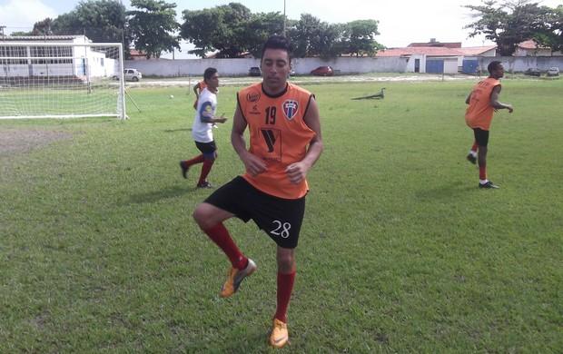 Wilian já treina com o restante do elenco atleticano (Foto: Bruno Alves)