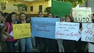 Enfermeiros e estudantes de Enfermagem fazem protesto na capital