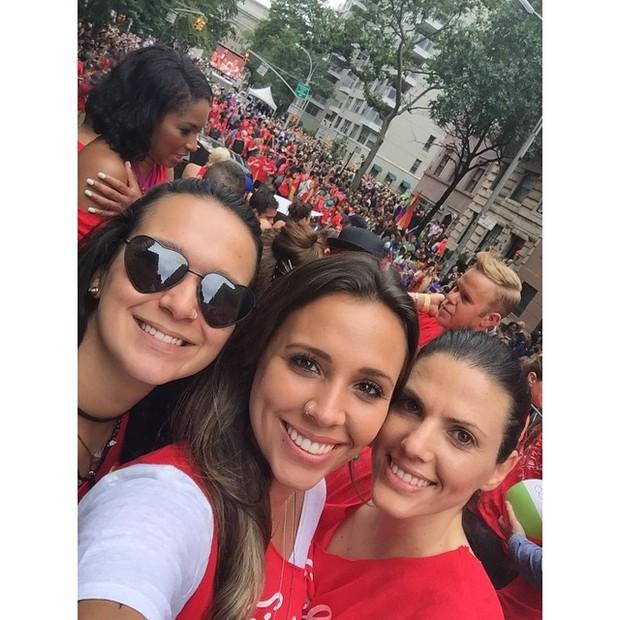 Angelis Borges vai a Parada Gay em Nova York (Foto: Instagram)