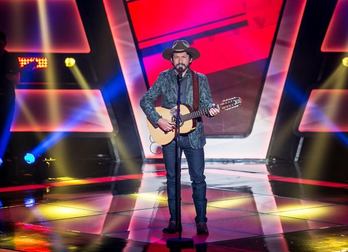 Edu Santa Fé canta sertanejo de raiz no The Voice Brasil (Foto: Isabella Pinheiro/Gshow)