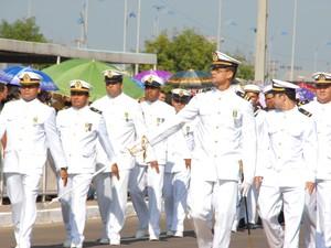 Tropa da Marinha do Brasil desfila em Macapá (Foto: Gabriel Penha/G1)