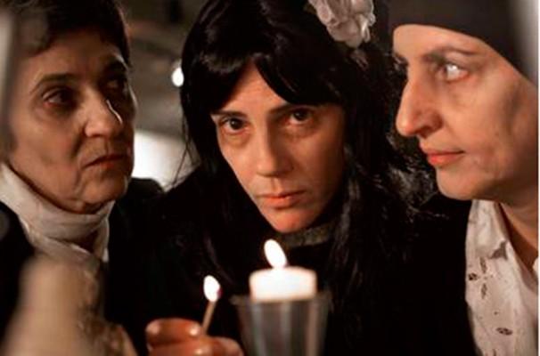 Abigail Tatit, Edi Fonseca e Zeza Mota estrelam o espetáculo (Foto: Fábio Burtin)