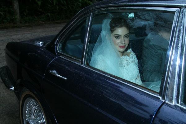 A noiva chega ao casamento (Foto: Agnews)