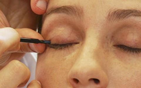 Latisse: conheça o tratamento para alongar os cílios